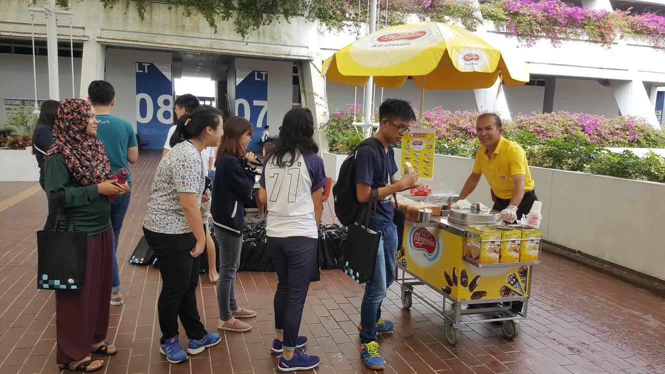 traditional-icecream-cart-singapore3